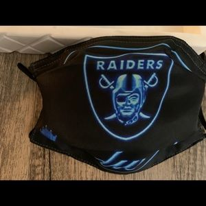 Raiders 🏈 mask 😷